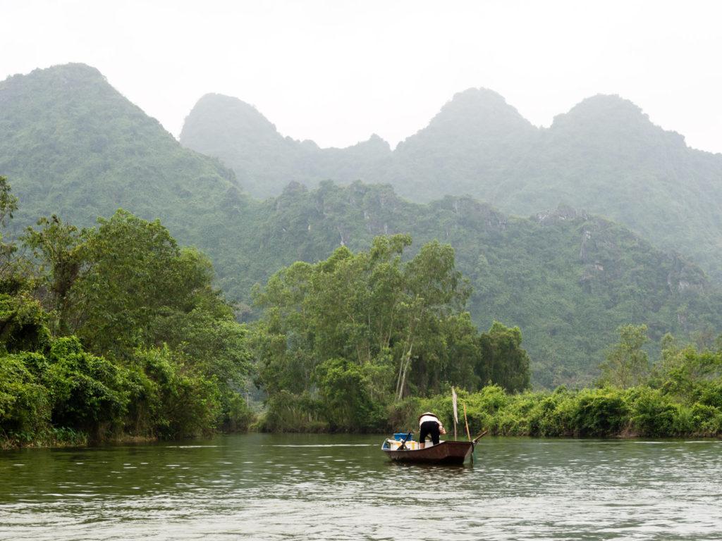 Perfume Pagoda river cruise