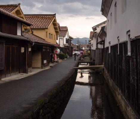 Квартал старых домов в Кураёси (префектура Тоттори, Япония)